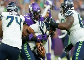 Everson Griffen uses sweet spin move to record his first sack of '21