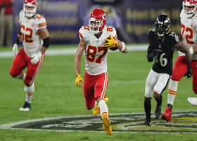 Mahomes' pump-fake helps open a seam for 29-yard dart to Kelce