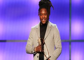 Shaquem Griffin accepts 'Game Changer' award at NFL Honors