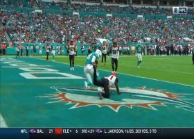 Can't-Miss Play: FitzMagic fools cameraman on pump-fake TD