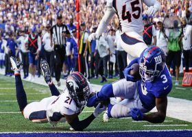 Sterling Shepard straddles the sideline for 37-yard TD catch and run