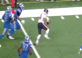 Mitchell Trubisky shows off elusiveness on 20 yard scramble