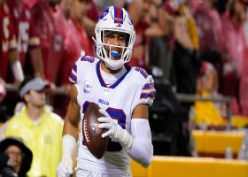 Tip drill! Micah Hyde swipes Tyreek Hill's dropped pass for pick-six