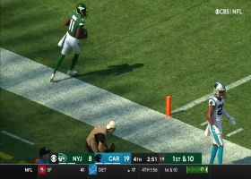 Zach Wilson delivers 40-yard strike to Denzel Mims while getting hit