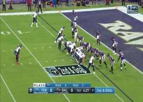 Earl Thomas flies off the edge for huge red-zone sack
