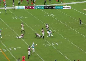 Rosen slings pass to Clive Walford in middle of field