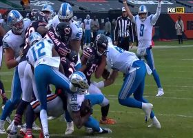 Adrian Peterson slices through Bears' front seven for TD