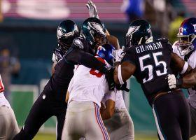 Eagles' pass rush flocks to Daniel Jones for massive sack
