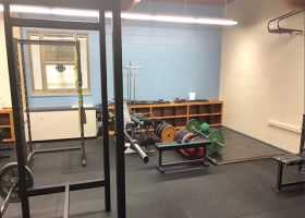 Dallas Cowboys linebacker Leighton Vander Esch donates weight room to his former high school