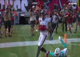 Brady's rainbow pass finds Mike Evans for 34-yard TD