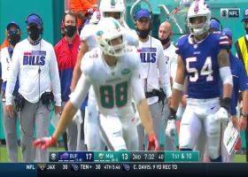 Mike Gesicki climbs the ladder for 23-yard catch