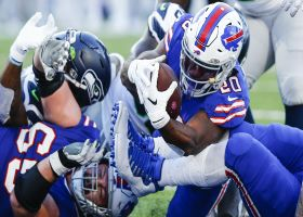 Zack Moss punches in TD at goal line to extend Buffalo's lead