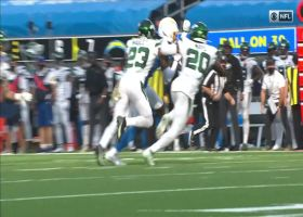 Justin Herbert hits Mike Williams for 39-yard TD catch and run