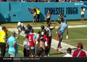 Hines hurdles, turns on jets for 36-yard catch and run