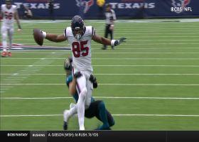 Pharoah Brown makes effortless one-handed grab for 29 yards