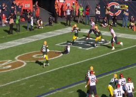 Justin Fields locates wide-open Darnell Mooney for 5-yard TD