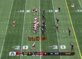 D'Ernest Johnson has room to roam on 23-yard screen-pass pickup