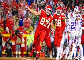 Mahomes plays 'Hot Potato' with goal-line shovel pass TD to Kelce