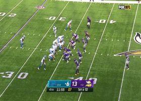KhaDarel Hodge makes sliding grab on Vikings' logo for 17 yards