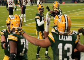 Rodgers takes his time on backpedaling touchdown toss to Lazard