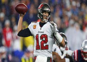 Tom Brady makes 26-yard lob to Godwin look too easy