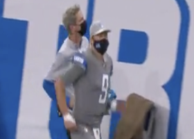Matthew Stafford limps to locker room after first-quarter injury