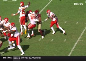 Patrick Mahomes' jump pass pinpoints Hill for big first down
