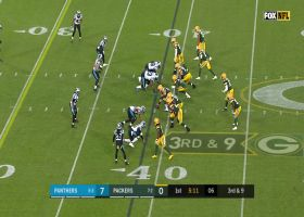 Aaron Rodgers' improvisational throw hits Lazard for big third-down pickup