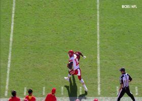 Mahomes' 27-yard sideline dime hits Pringle perfectly