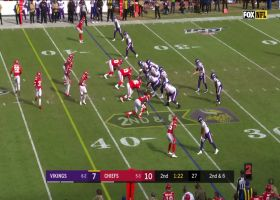 Irv Smith Jr. brings in Kirk Cousins' laser throw up the seam for 21 yards