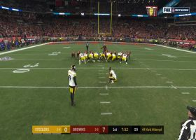 Chris Boswell misses early FG after botched snap