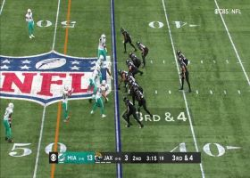 Lawrence darts third-down throw to Marvin Jones