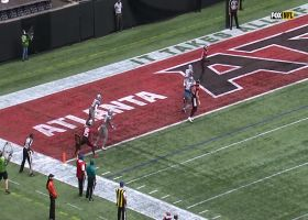 Matt Ryan darts pass over middle to wide-open Ridley for TD