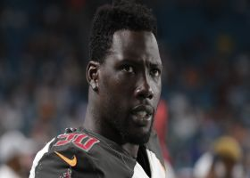 Jason Pierre-Paul does dumbbell-lunge workout at home shortly after knee scope