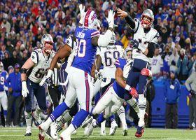 Lorenzo Alexander brings pressure to sack Brady