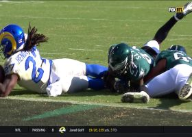 Henderson muscles through Eagles' front seven for TD
