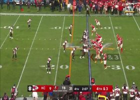 Mahomes finds Demarcus Robinson to convert on fourth-and-3