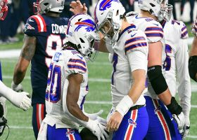 Zack Moss slices in for TD to cap Bills' 12-play drive