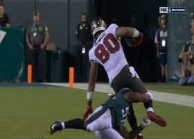 Genard Avery's third-down shoestring tackle keeps Bucs from moving chains