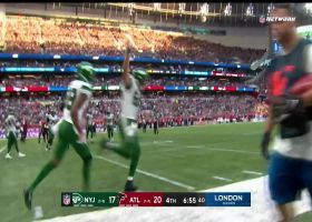 Zach Wilson fires pass to Crowder for two-point conversion