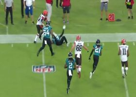 D'Ernest Johnson absolutely bulldozes Jaguar to pick up first down