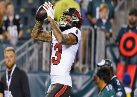 Tom Brady slings 22-yard pass over middle to Mike Evans