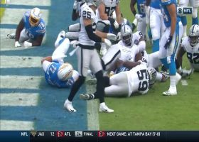 Melvin Gordon reaches end zone for second time on 1-yard rushing TD