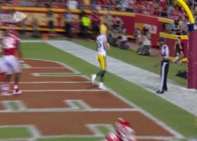 Robert Tonyan sneaks by Chiefs D for quick fourth-down TD