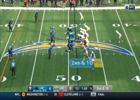 Austin Ekeler follows blockers on throwback screen for 28 yards