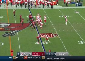 Kelce fakes hook-and-latter toss on 14-yard pickup