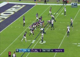Lamar Jackson delivers 27-yard strike to Seth Roberts on third down