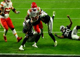 Le'Veon Bell runs in his first Chiefs touchdown for critical score