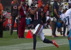 Darnell Mooney tracks Justin Fields' rainbow pass for big 32-yard gain