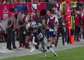 Brady lofts pinpoint 28-yard rainbow to AB downfield